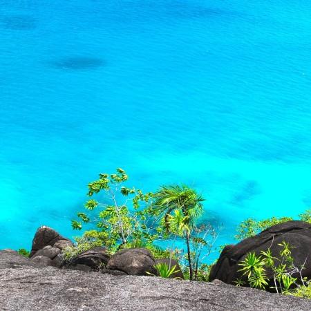 seychelles_sea-1027999_1920